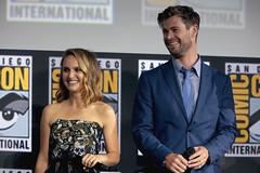 Natalie Portman & Chris Hemsworth
