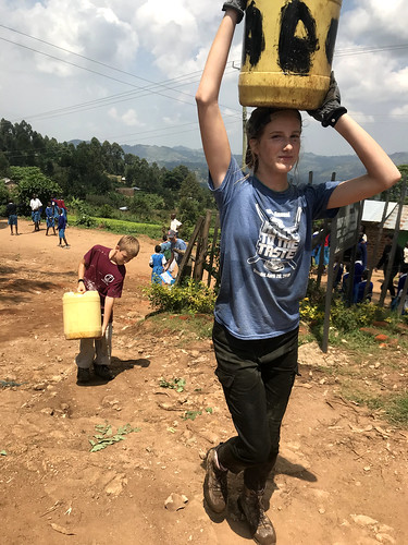 OCMC News - Hauling Water in Mugen, Kenya