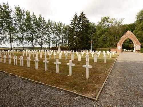 Cimetière militaire français 14-18 de Belle-Motte à Aiseau-Presles