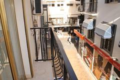 situado en pleno centro. Esta propiedad la gestiona la Inmobiliaria de Benidorm Asegil. Para mas información le atenderemos en:  Teléfono: 96-5861103/04 E-mail: inmobiliaria@asegil.com www.inmobiliariabenidorm.com