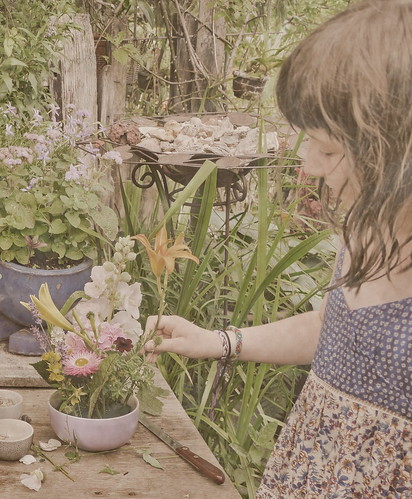 Creative Process - Hemerocallis ἡμέρα καλός (Day Beautiful Tag Schönheit) - Lotti (9), making a floral arrangement with garden flowers cut by her. Present for her teachers at the end of the school year. Afternoon in the Garden with Lotti Ilvy Traude Hans