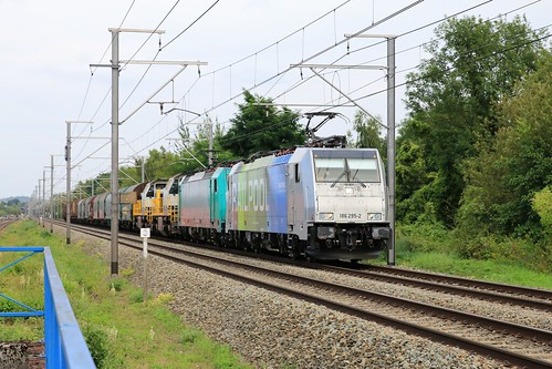 Lineass Railpool 186 295-2 - Angeltrain 2832 - 7858 - 7715 Shimmns Voroux 08-08-2019