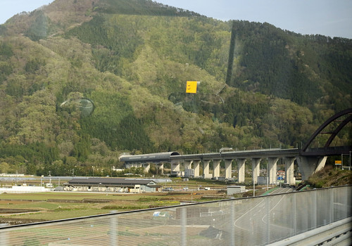20190423_3622 high speed train track