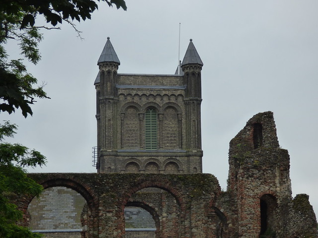 Photo:St Botolph's Priory - Priory Street, Colchester - St Botolph's Church By ell brown