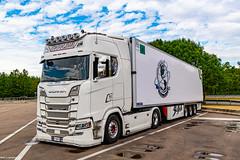 Italian Scania S520 @ Someones Hoose