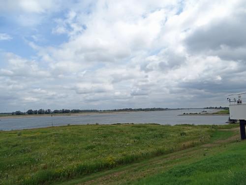 Waal (Rhine) near Beneden Leeuwen