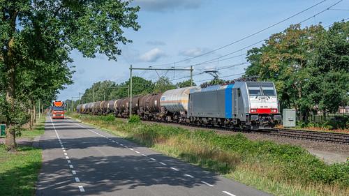 America Road vs Rail Cargo Lineas 186 500 met VTG ketels