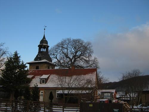 Sankt Michael zu Göllingen an einem eiskalten Wintertag