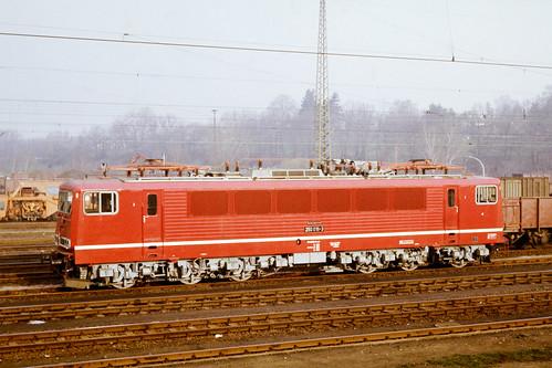 250 016 im Bahnhof Werdau