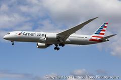 American Airlines, N830AN