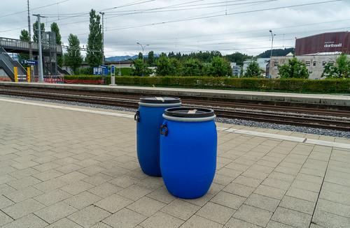 Rotkreuz: blue delivered (1/3)