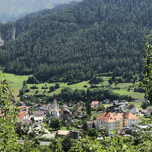 Blick auf Ried im Oberinntal, Tirol