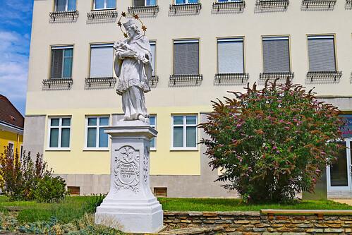 Zistersdorf. Hl.Johannes Nepomuk, 1729 - Rokoko