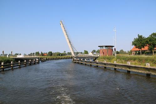 Tervatebrug, Yser, Diksmuide, 22nd June 2019 (RAB24198)