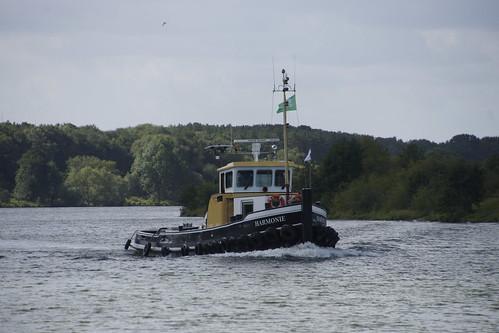 Sleepboot Harmonie op de Maas bij Arcen 11-08-2019