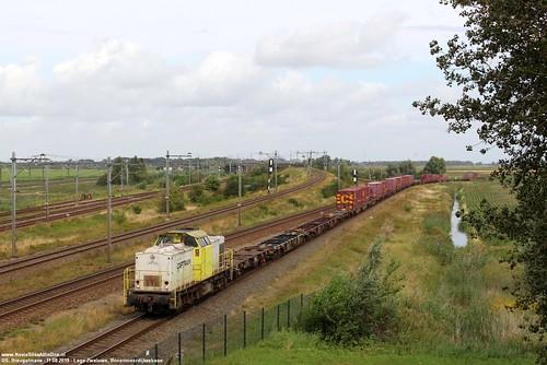 Captrain 203 104 - Lage Zwaluwe 11-08-2019.