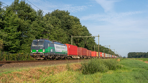 Griendtsveen RTB 193 727 met Nürnberg Shuttle_