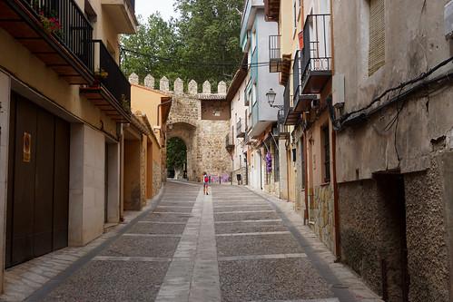 Calle y puerta de La Cadena