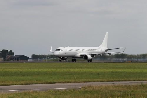 Embraer EMB-190 EI-GGB
