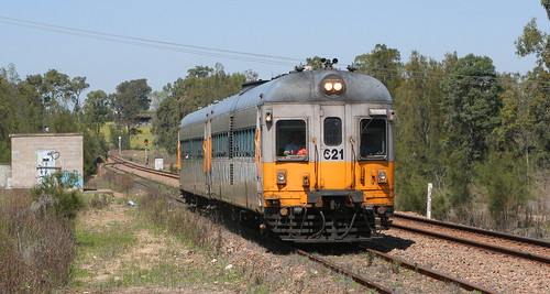 CLASS LEADING 620 CLASS RAILCAR SET 621/721 AT MINDARIBBA 8th Oct 2006.
