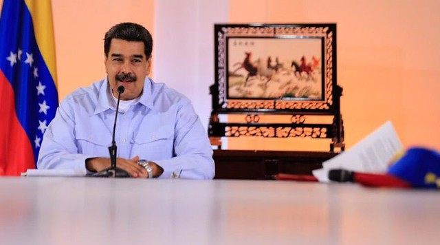 """Para driblar """"bloqueio total"""" dos EUA, Maduro aposta em renovação no time ministerial"""