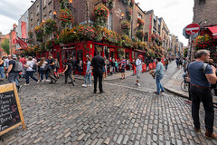 A QUICK VISIT TO TEMPLE BAR [DISTORTED BECAUSE OF ULTRA WIDE-ANGLE LENS]-154964