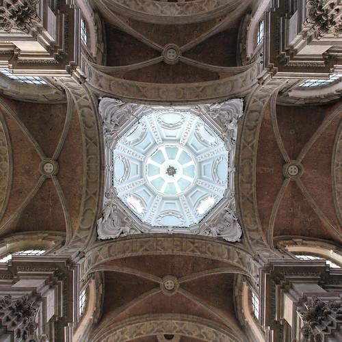 IMG_4831 Basilica Saint-Servatius by Gilbert van Zinnick