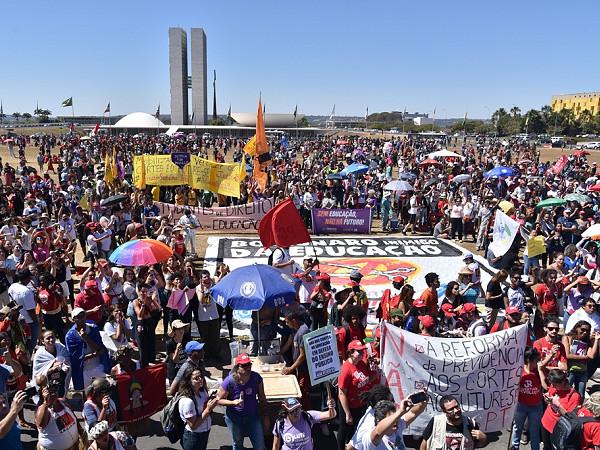 A defesa pela educação pública de qualidade mobilizou milhares de pessoas em todo o país, que protestaram contra o Future-se - Créditos: ANPG