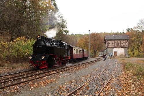 2018-10-21; 0017. HSB 99 6001 met trein 8963. Mägdesprung.