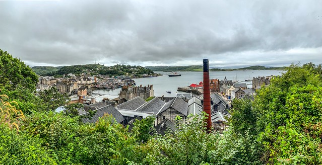 Oban Distillery and harbor