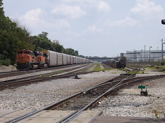 BNSF with auto haulers