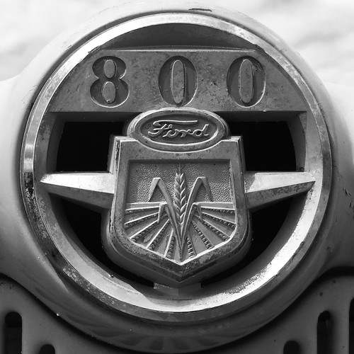 Tractor - Ford 800