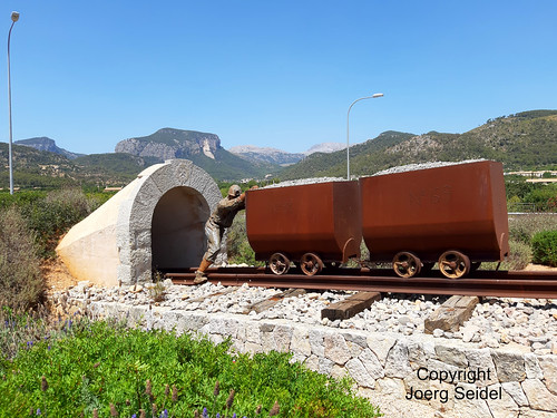 ES-07360 Lloseta (Mallorca) Bergbaudenkmal/Grubenwagen / Vagonetas Minera No. 31 & No. 69 per al transport del Carbó im August 2019
