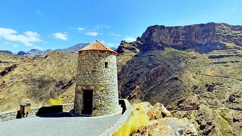 Espagne, l'île de la Grande Canarie, panorama du belvédère avec le moulin de Parralillo