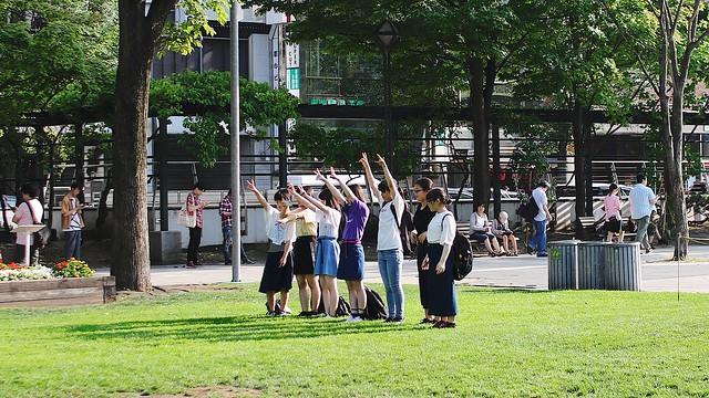 Photo:Take a ceremonial photograph. By MIKI Yoshihito. (#mikiyoshihito)