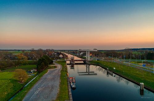 Schoorldammerbrug spanning the Noordhollandsch Kanaal.