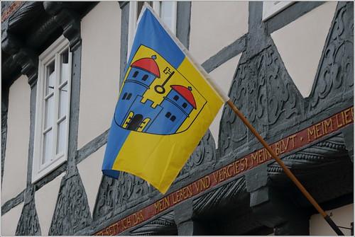 Flagge der Stadt Haldensleben mit Wappen am