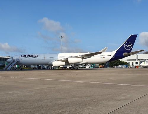 Lufthansa Airbus A340-3 D-AIGT seen at Dublin EIDW/DUB