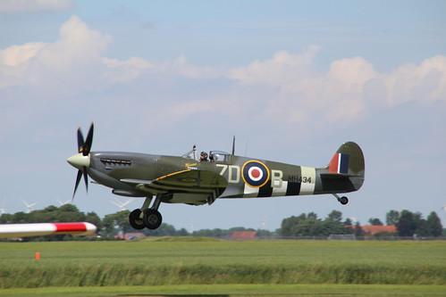 GB -- G-ASJV (1943) the old flying company