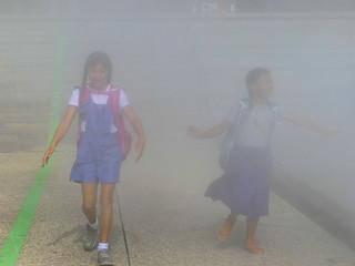 Fillettes dans le brouillard-001