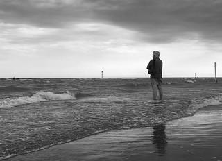 🎶...mare mare non ti posso guardare così perché... questo vento agita anche me...🎶 (Il mare d'inverno - L. Bertè)
