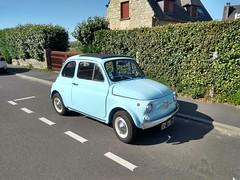 UNE FIAT 500