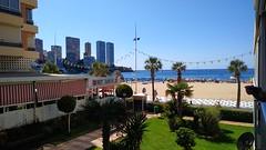 Piso situado en primera línea de playa de Levante. Solicite más información a su inmobiliaria de confianza en Benidorm  www.inmobiliariabenidorm.com