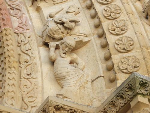 Iglesia de Sainte-Foy - Detalle de la portada