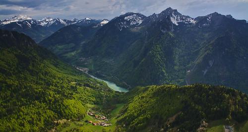 La vallée de la Dranse de Morzine depuis le point de vue au nord de la pointe de Tréchauffé