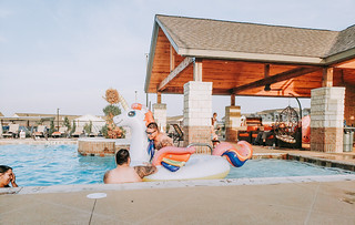 FOMO Hangs: Pool Party