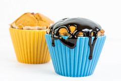 Cupcake Muffins with Vanilla and Chocolate Topping Cream