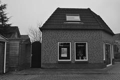 Huis in Ommen, zwart-wit (135FJAKA_2585)
