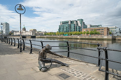 LINESMAN BY DONY MC MANUS [DUBLIN DOCKLANDS AUGUST 2019]-155133