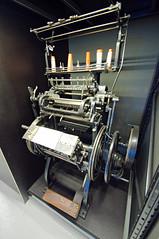 Machine à relier - Photo of Rumont